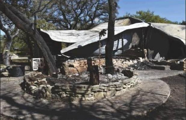 Rolling Oaks home completely destroyed in fire